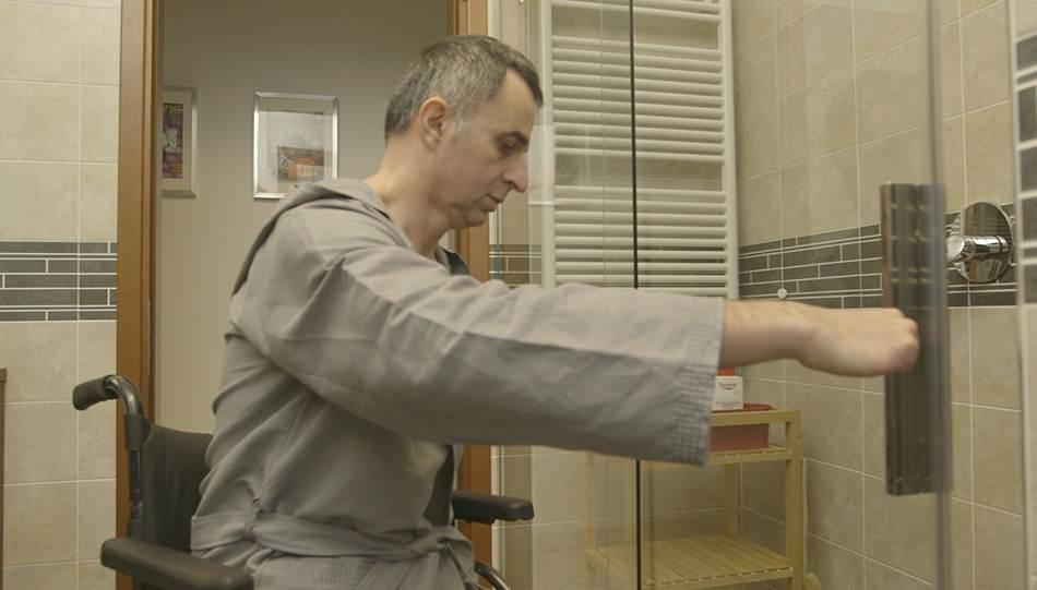 Piatti box doccia per disabili sistemi per persone anziane in sicurezza